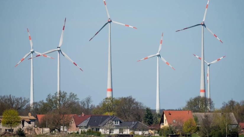 La valeur de l'immobilier d'habitation réduite par l´implantation voisine d´un parc éolien ?